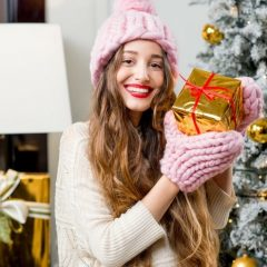 Christmas Gifts For 18 Year Old Girls - Christmas Presents Teen Girls #ChristmasGifts #giftIdeas