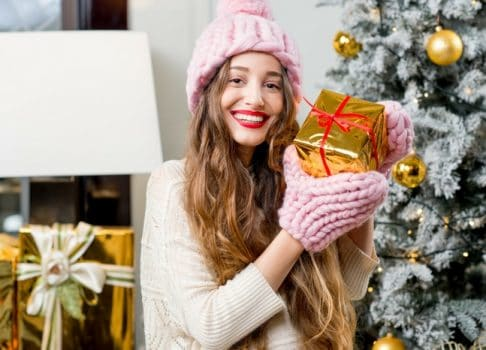 Christmas Gifts For 18 Year Old Girls – Gifts That Will Make Them Smile!